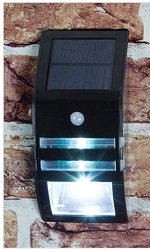 2 x Wall mountable fence solar lights