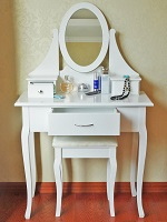 White Dressing Table Makeup Desk with Stool, 3 Drawers Oval Mirror Bedroom Chic